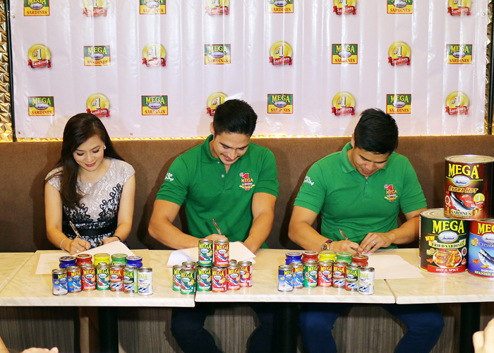 Contract signing with Piolo Pascual held at Seared Restaurant in Pasig City