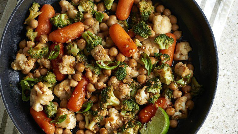 Garbanzo beans and vegetable stir-fry
